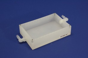 VP 540T-B-1 - Polypropylene Reservoir, with Notches for VP 540F Anti-Splash Baffles, with Right Angle Inlet and Outlet Nipples on Opposite Ends of the Short Axis, with Locating Pins for Blotting Station, SLAS Footprint, Autoclavable